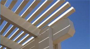 פרגולה מאלומיניום – עמידות גבוה, עיצוב מגוון, בניה מהירה